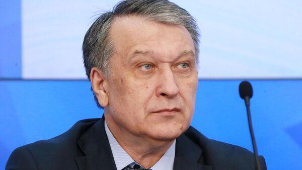 Заместитель руководителя Федерального агентства связи Владимир Шелихов