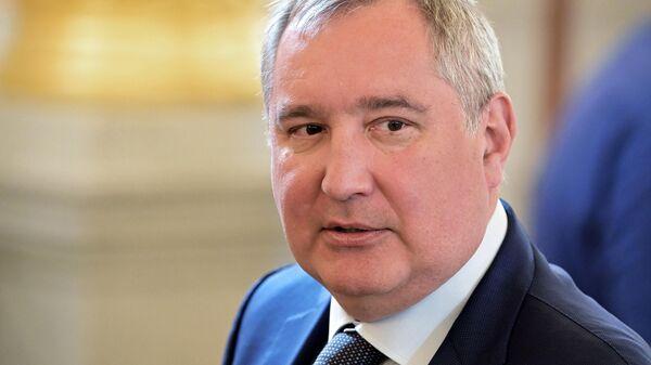 Генеральный директор госкорпорации Роскосмос Дмитрий Рогозин во время российско-китайских переговоров в Кремле. 5 июня 2019