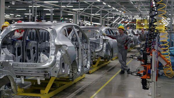 Сборка автомобилей Haval F7 на заводе Haval китайского концерна Great Wall в индустриальном парке Узловая