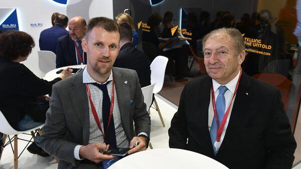 Министр национальной экономики Палестины Халид Осейли во время интервью на стенде МИА Россия сегодня в первый день ПМЭФ