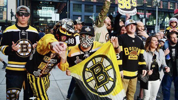 """Фанаты """"Бостона"""" устроили массовую драку на трибуне во время матча"""