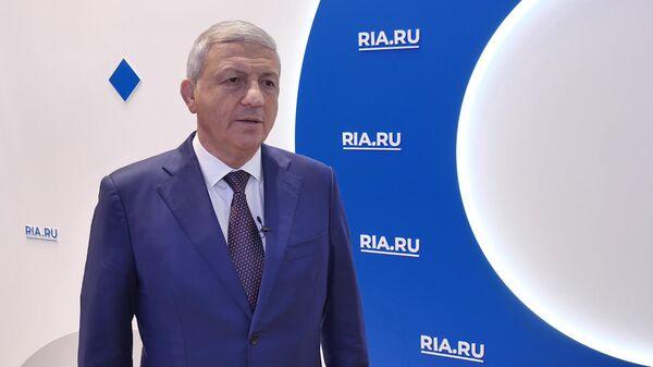 глава Северной Осетии Вячеслав Битаров на ПМЭФ 2019