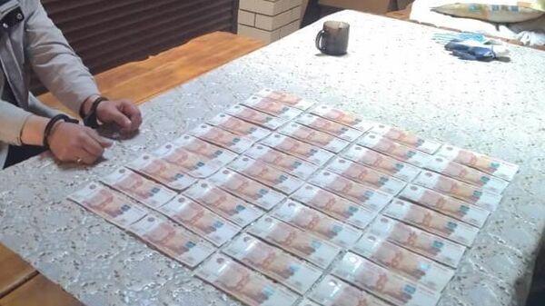 Денежные средства, изъятые при задержании заместителя главы администрации города Барнаула Александра Алексеенко