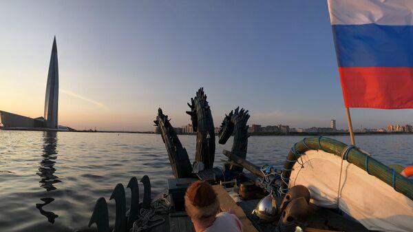 Российская яхта в стиле древнерусской ладьи Змей Горыныч