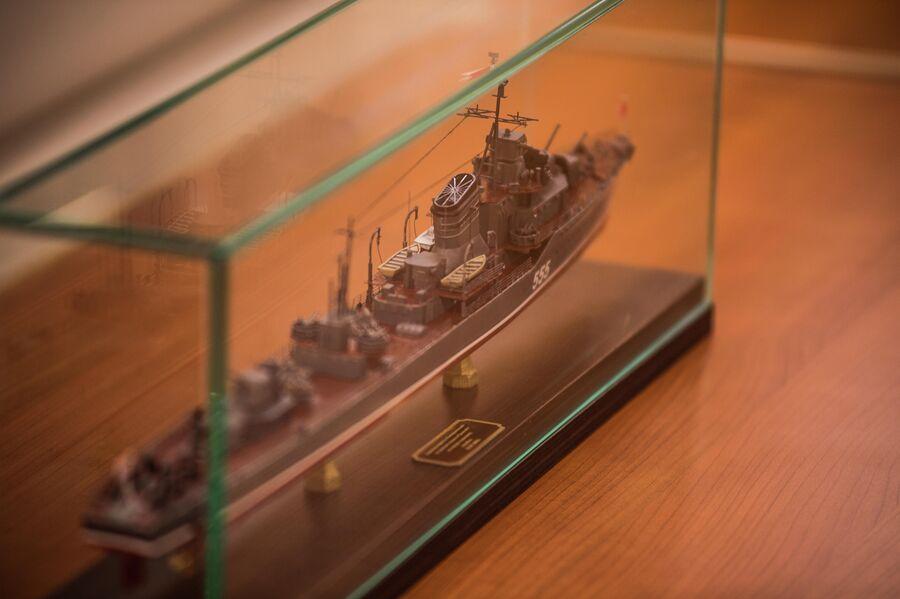 Масштабная модель эсминца Совершенный - подарок экипажу корвета проекта 20380