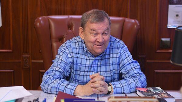 Генеральный директор Большого театра Владимир Урин во время интервью корреспонденту РИА новости