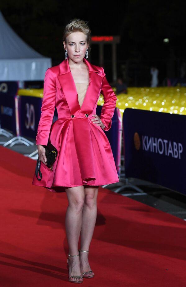 Актриса Мария Шалаева на 30-м Открытом фестивале российского кино Кинотавр