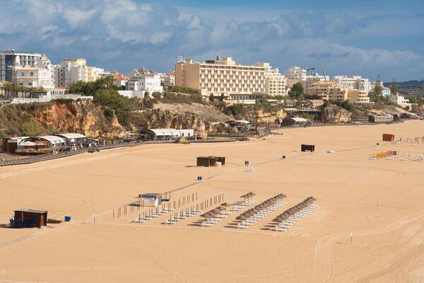 Широкие песчаные пляжи