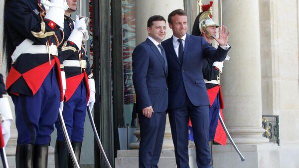 Президент Франции Эммануэль Макрон и президент Украины Владимир Зеленский в Париже. 17 июня 2019