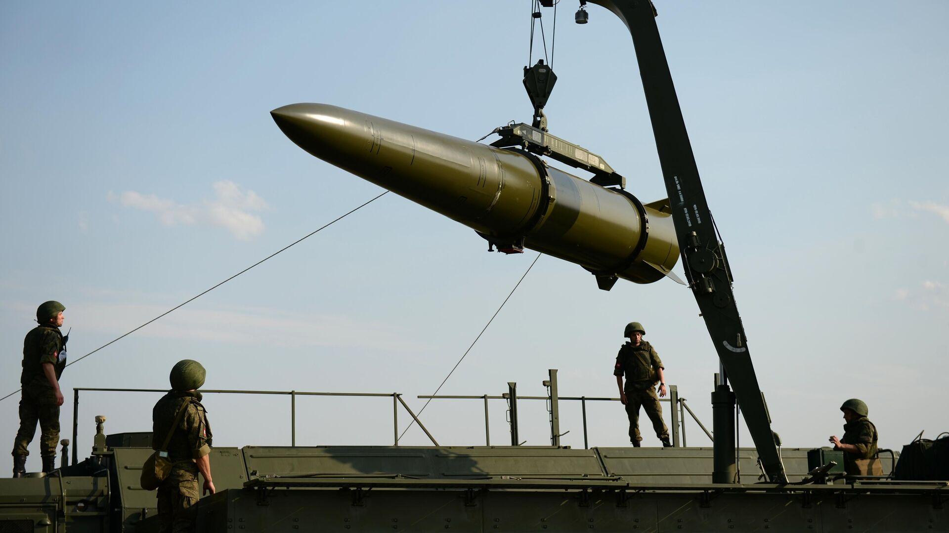 Развёртывание оперативно-тактического ракетного комплекса Искандер-М - РИА Новости, 1920, 14.10.2020