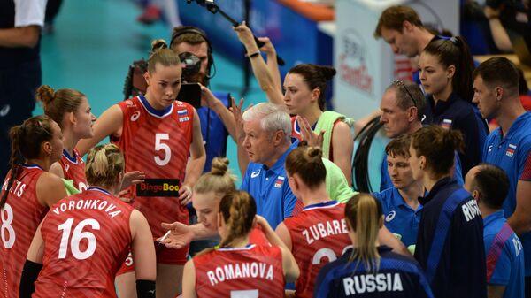 Вадим Панков и волейболистки сборной России