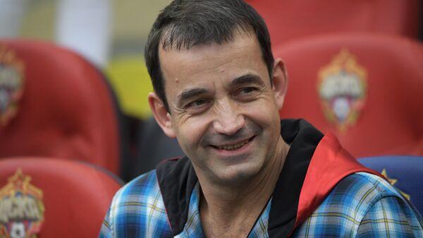 Актёр Дмитрий Певцов во время матча 27-го тура чемпионата России по футболу