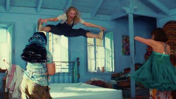 Кадр из фильма Мамма Миа!