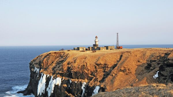 Маяк Шпанберга на мысе Краб острова Шикотан Сахалинской области. Архивное фото