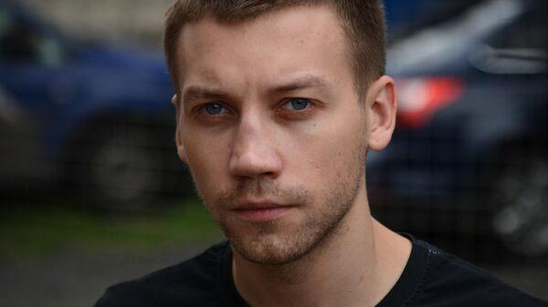 Александр Кузнецов в роли Виктора