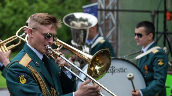 Программа Военные оркестры в парках продолжится в саду Эрмитаж в Москве