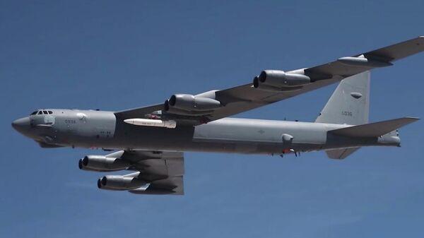 Первый полет B-52 Stratofortress, оснащенного прототипом гиперзвуковой ракеты AGM-183A