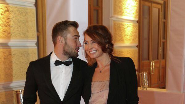 Певица Жанна Фриске с супругом Дмитрием Шепелевым на торжественной церемонии вручения наград журнала GQ Человек года
