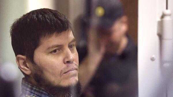 Хазратхон Додохонов во время оглашения приговора в Московском областном суд