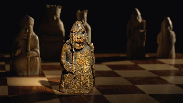 Шахматная фигурка с острова Льюис, проданная на аукционе Sotheby's за 735 000 фунтов