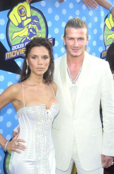 Дэвид и Виктория Бекхэм на церемонии вручения наград MTV Movie Awards 2003 в Лос-Анджелесе