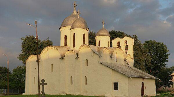 Собор Иоанна Предтечи на Завеличье в Пскове