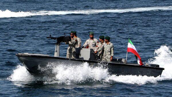 Иранские военные в Ормузском проливе