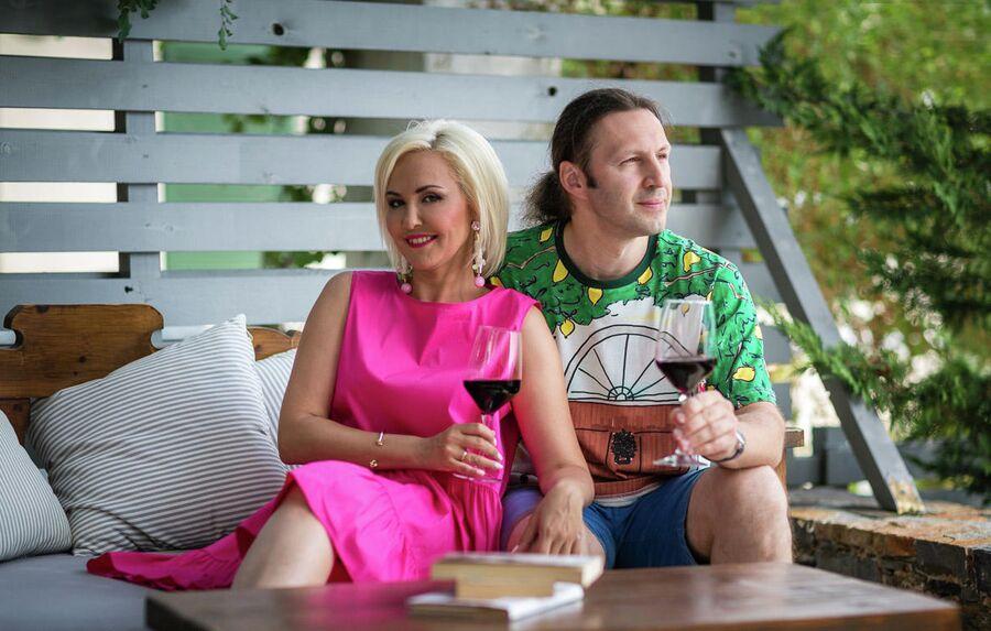 Василиса с мужем Сергеем в Греции