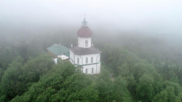 Храм-маяк Свято-Вознесенский скита Соловецкого монастыря на Секирной горе
