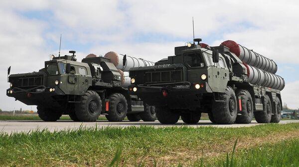Зенитные ракетные комплексы C-400