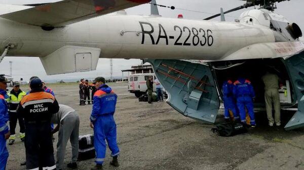 Спасательная операция МЧС России в Бай-Тайгинском районе Тувы, где перевернулась автомашина УАЗ