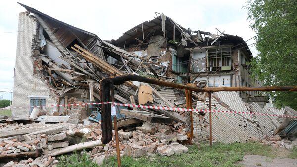 Обрушившееся здание в селе Чернышевка. 17 июля 2019