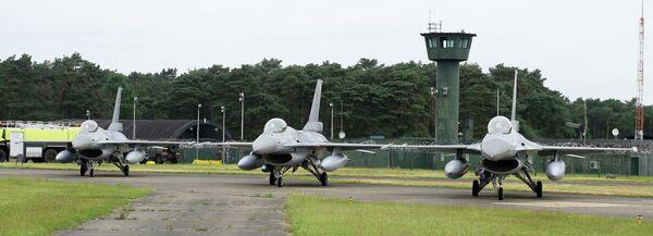 Истребители на военной авиабазе Kleine Brogel в Бельгии