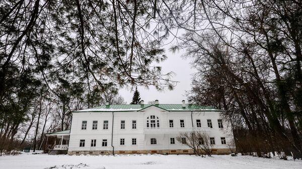 Дом писателя Л.Н. Толстого в Музее-усадьбе Ясная Поляна в Тульской области