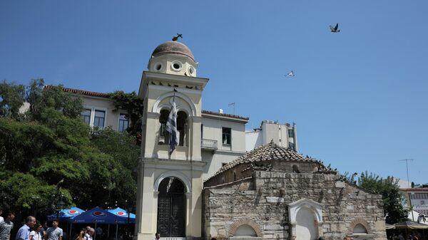 Повреждения колокольни церкви Пантанасса после землетрясения в Афинах. 19 июля 2019