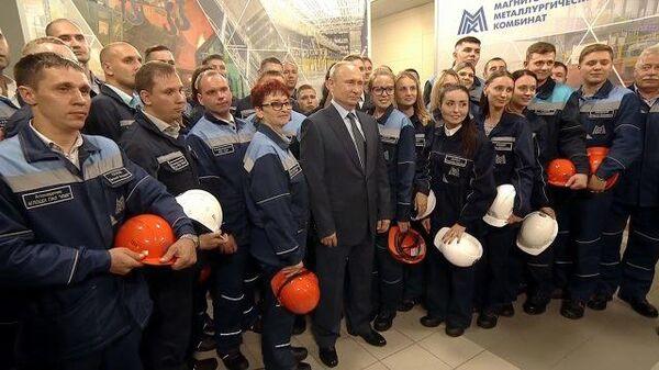 Совсем завинтить – это очень опасно: Путин о росте цен на топливо