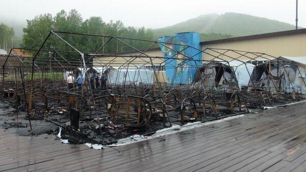 Власти уточнили возможную причину пожара в хабаровском лагере