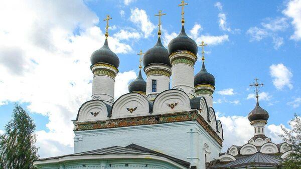 Церковь Покрова Пресвятой Богородицы в усадьбе Братцево в Москве