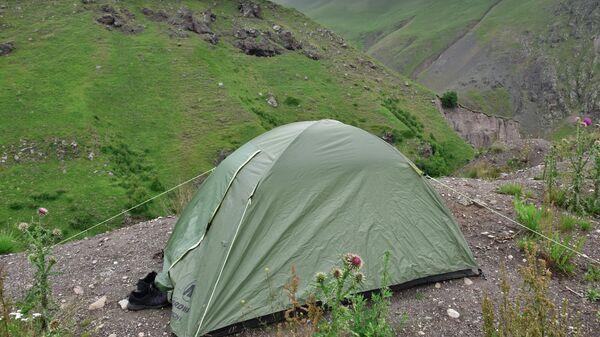 Палатка лагеря