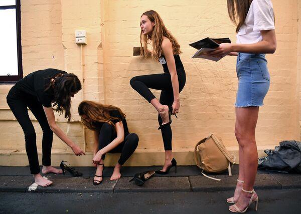 Модели на кастинге неделе моды в Мельбурне