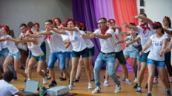 Волгоградские волонтеры получили грант на создание школ вожатых