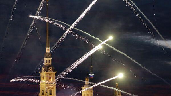 LIVE: Фейерверк в Петербурге в честь Дня ВМФ