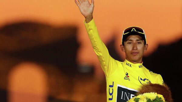 Колумбийский гонщик команды Ineos Эган Берналь