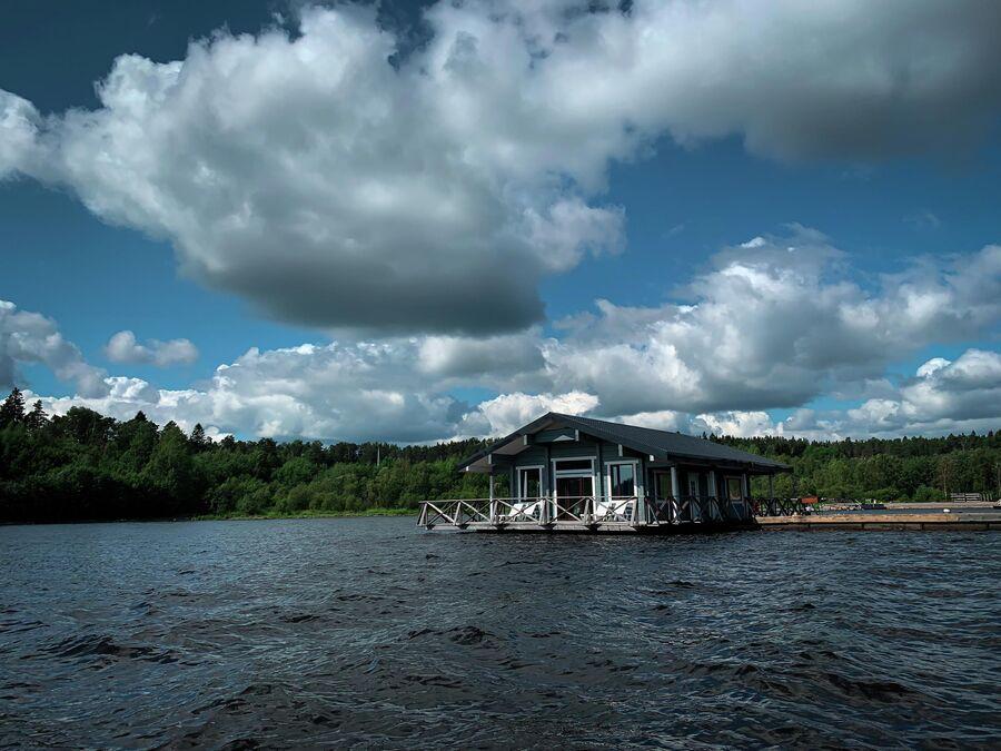 Карелия. Дом на Ладожском озере.