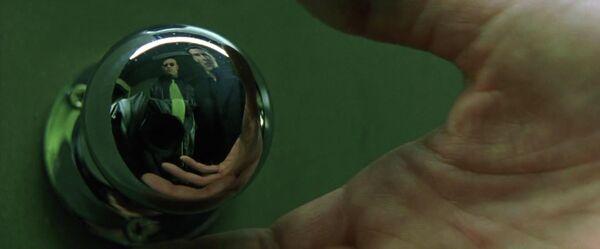 Кадр из фильма Матрица(1999)