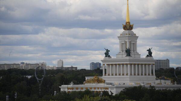 Павильон №1 Центральный на ВДНХ в Москве