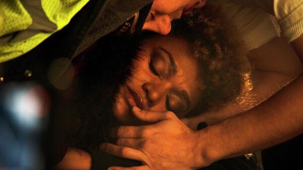 Кадр из фильма Гив ми либерти