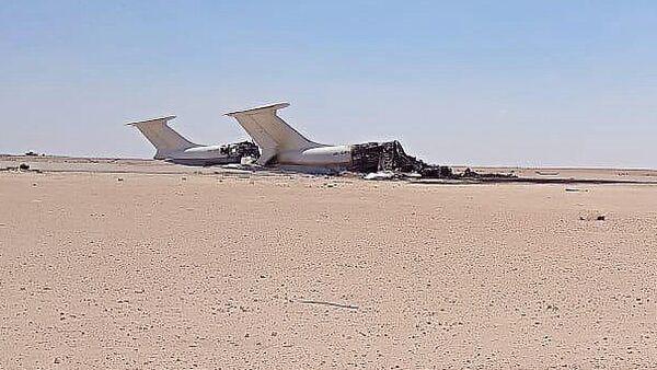 Обломки двух Ил-76 украинской авиакомпании Europe Air, уничтоженных на авиабазе Джуфра, Ливия