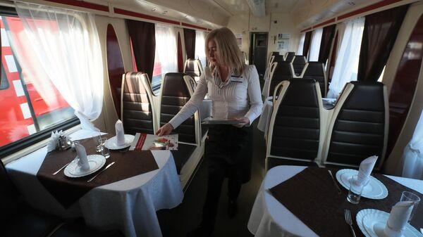 Вагон-ресторан поезда Москва-Владивосток