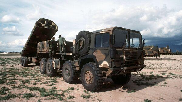 Самоходный ракетный комплекс Грифон ВВС США с транспортной машиной на шасси MAN